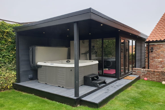 Relaxing Garden Room Hot Tub Retreat Coventry
